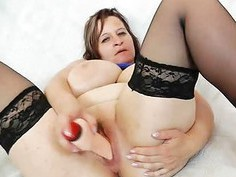 Masturbation and cunny gape plus milf brunette