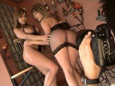 Photo session turns into a hot cunnilingus with Caroline Cage & Vanda Vitus