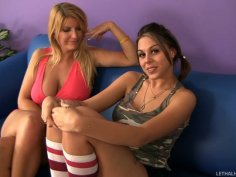 Fabulous hoochies Robbye Bentley and Nella Jay suck Billy Glide's cock