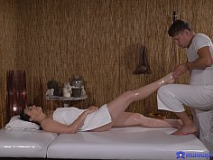 PAWG gets a pounding from masseuse